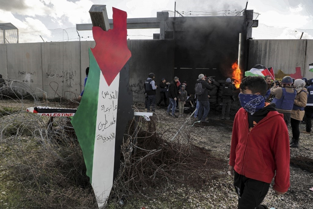 """الاحتلال يعتقل الفلسطينيين لمنعهم من التعبير عن غضبهم من """"صفقة القرن"""""""