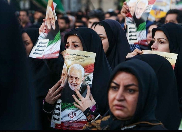وصول جثامين الفريق سليماني ورفاقه إلى طهران بعد تشييع مليوني في أهواز