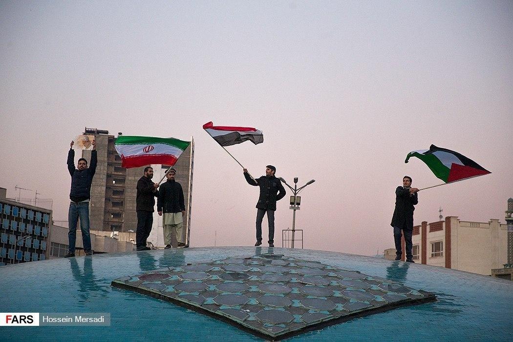 احتفالات عفوية في الشوارع الإيرانية بعد استهداف قاعدة عين الأسد