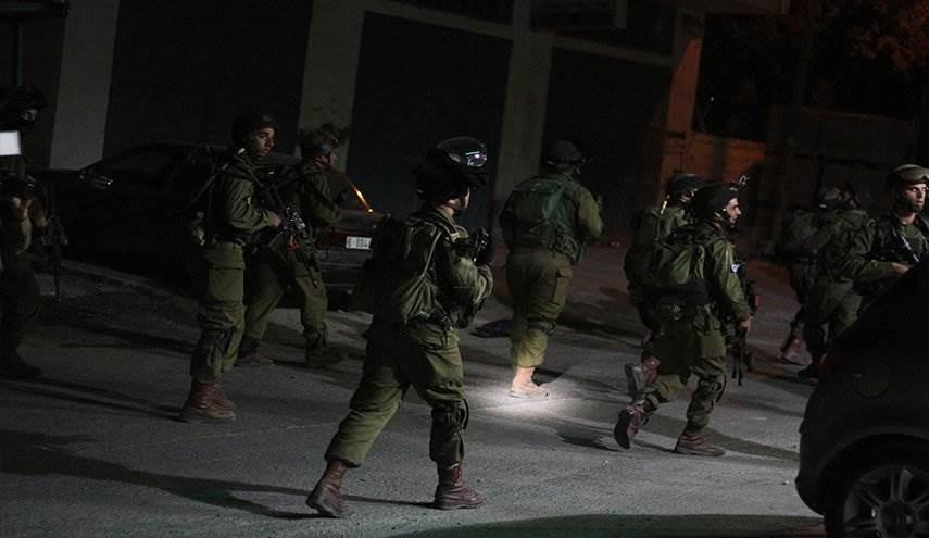 حملة مداهمات واسعة في الضفة الغربية والقدس المحتلة، اعتقلت خلالها قوات الاحتلال أكثر من 20 فلسطينياً