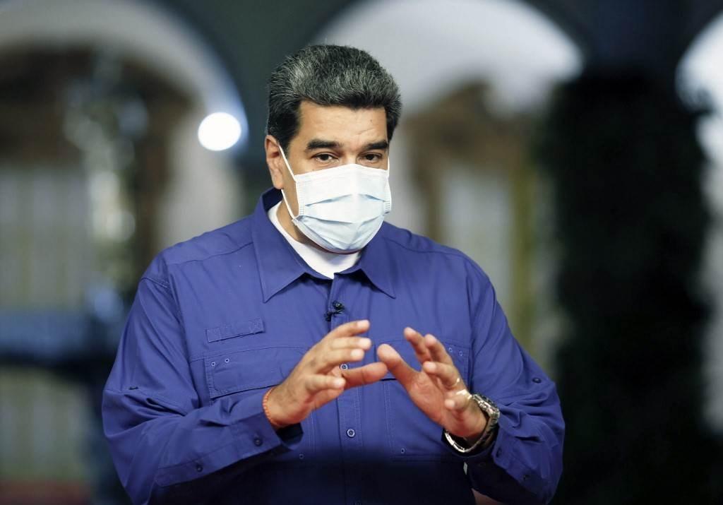 مادورو يلقي كلمة في قصر ميرافلوريس الرئاسي في كاراكاس في 10 أكتوبر (أ ف ب).