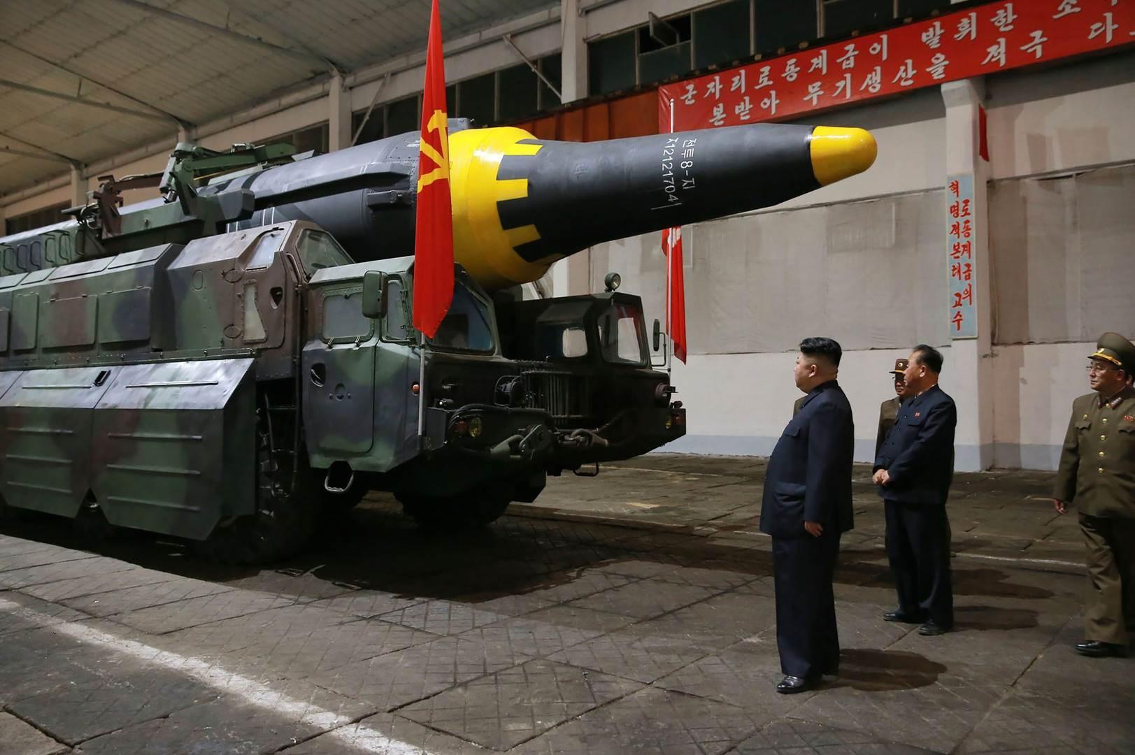 يتفق المحللون على أن صاروخ هواسونغ 15 هو أكبر صاروخ متحرّك بوقود سائل على الإطلاق في أي مكان في العالم