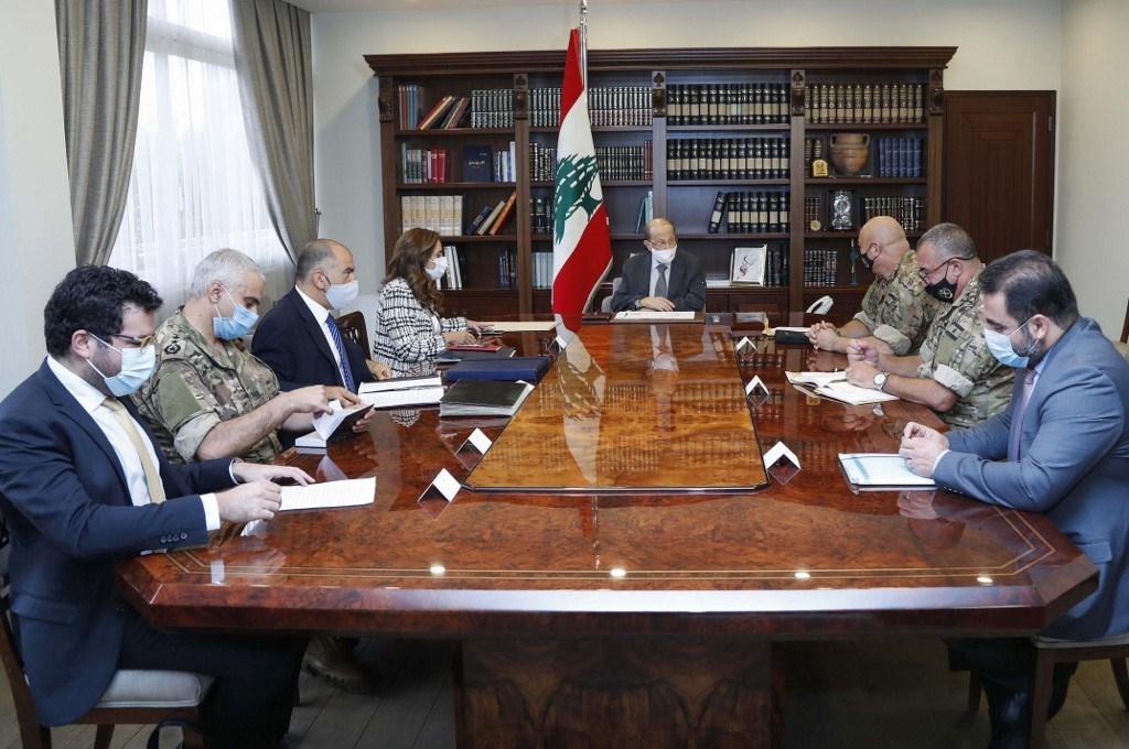 لقاء بين عون والوفد اللبناني الذي سيعقد محادثات بحرية غير مباشرة مع