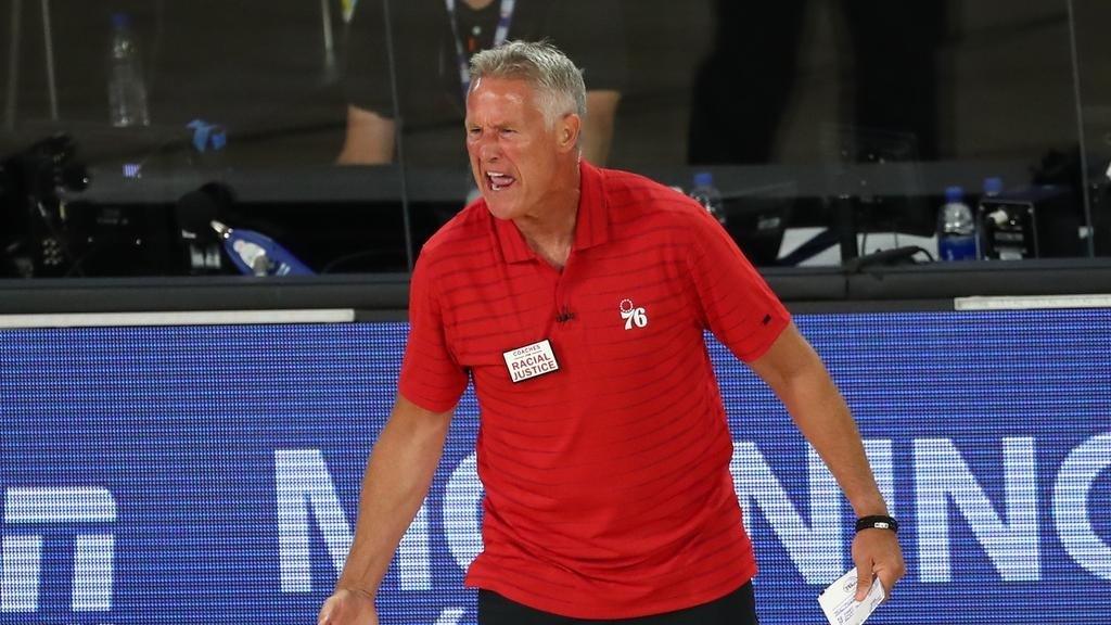 مدرب منتخب أستراليا لكرة السلة يقدم استقالته!