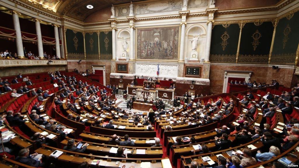 فرنسا تدعو إلى الاعتراف ب