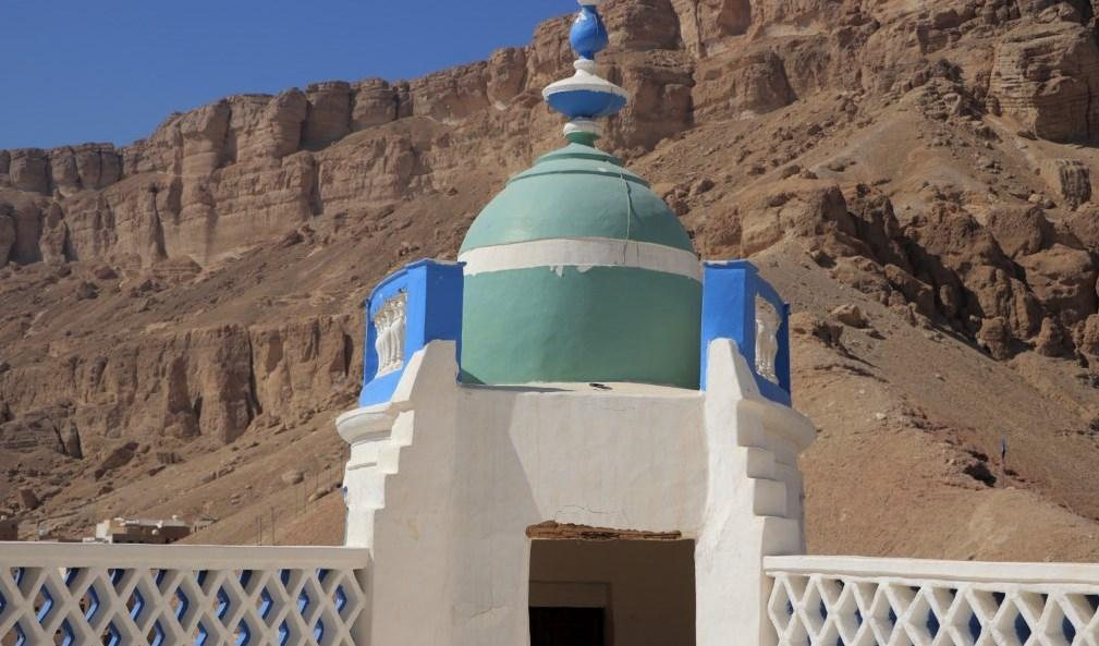 قصر سيؤن باليمن مهدد بالانهيار