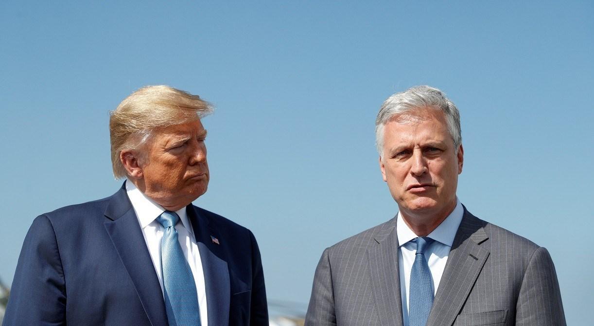 مستشار مجلس الأمن القومي الأميركي روبرت أوبرايان مع الرئيس الأميركي دونالد ترامب