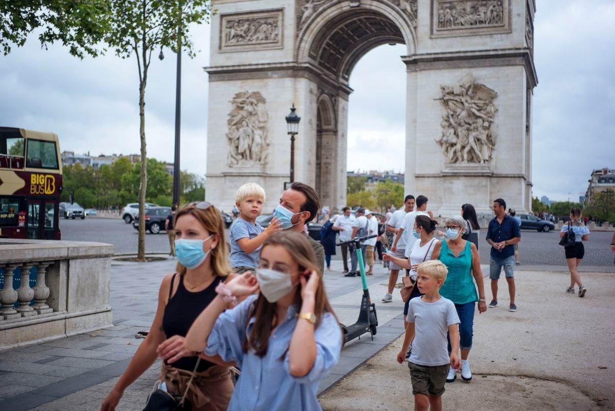 فرنسا سجلت 32 ألف إصابة جديدة في يوم واحد وفرِضت حظر تجول