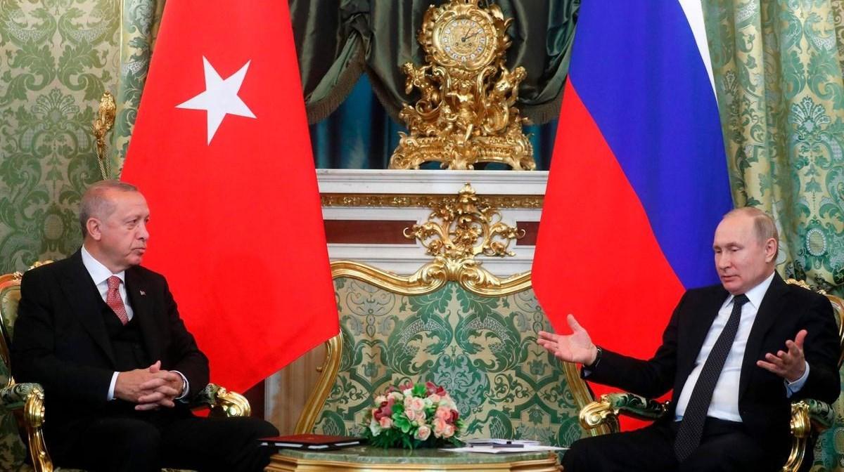 يحاول التدخل التركي إلى جانب أذربيجان الحد من نفوذ موسكو في باكو