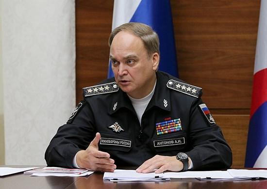 السفير الروسيّ لدى واشنطن أناتولي أنطونوف.