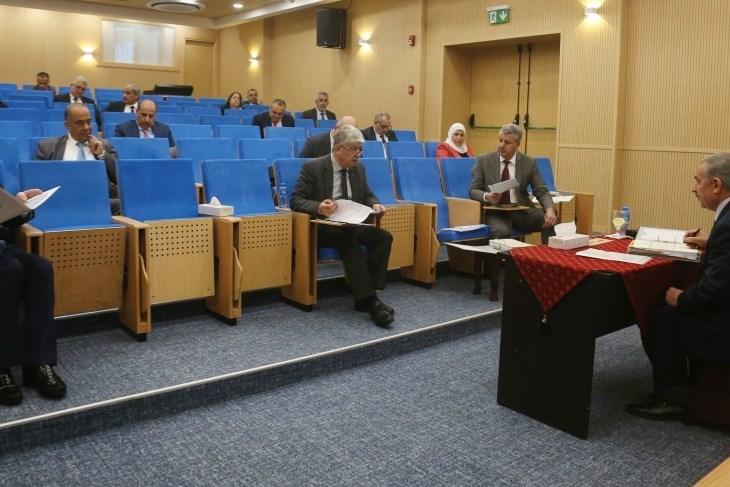 رئيس الوزراء الفلسطيني محمد اشتية في كلمته بمستهل جلسة الحكومة.