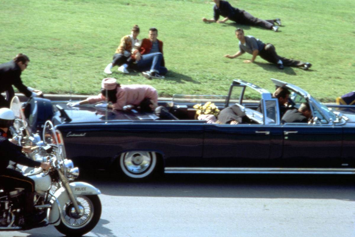 لحظة اغتيال الرئيس الأسبق جون ف. كينيدي