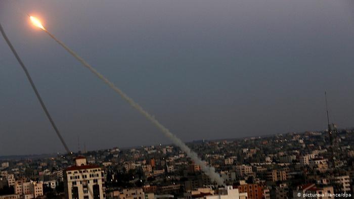 وسائل إعلام إسرائيلية: اطلاق صاروخ باتجاه غلاف غزة وقد جرى اعتراضه