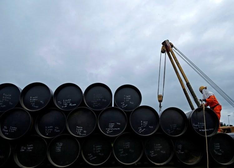 مع ارتفاع إصابات كورونا أسعار النفط تسجل هبوطا
