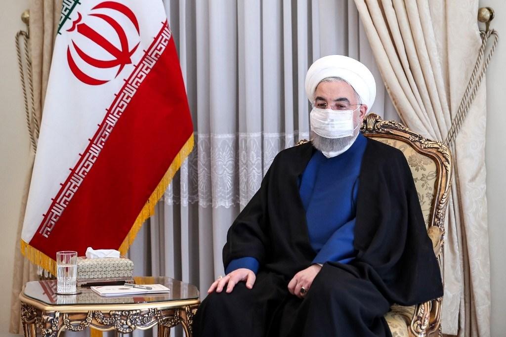 روحاني إيران ستتمكن من عبور المرحلة الاقتصادية الراهنة (أ ف ب)