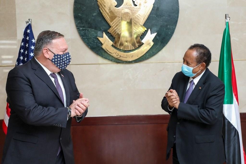 حمدوك خلال لقائه بومبيو في الخرطوم - 25 أغسطس 2020 (أ.ف.ب)