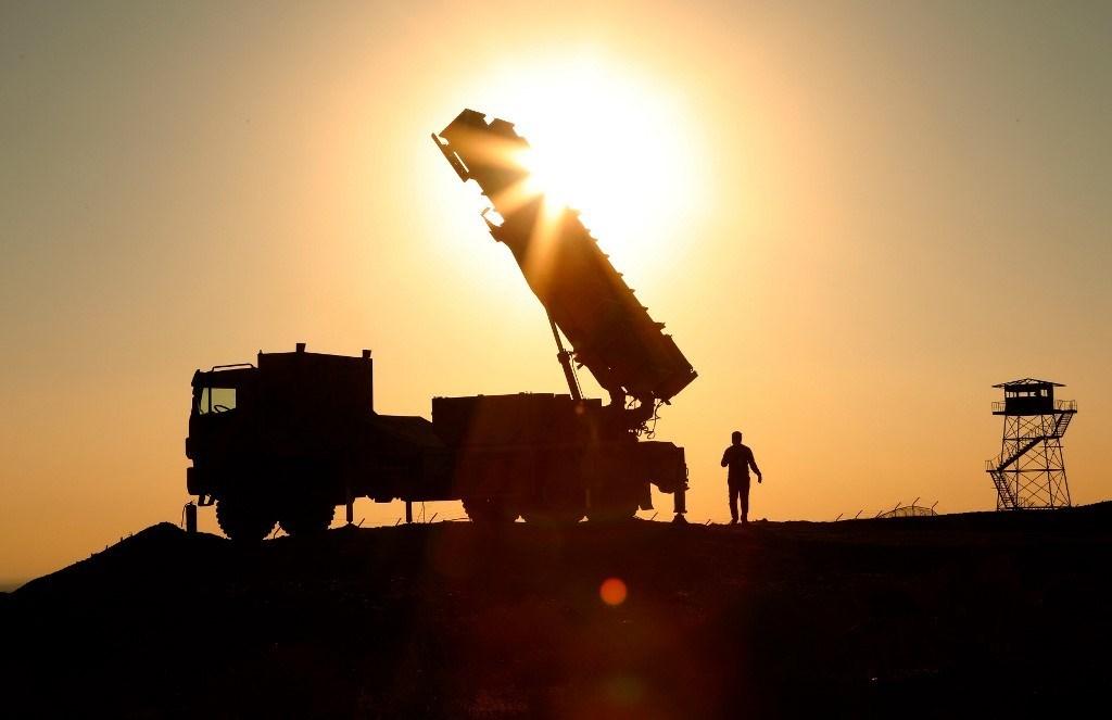 نظام دفاع جوي إيراني في اليوم الأول من تمرين الدفاع