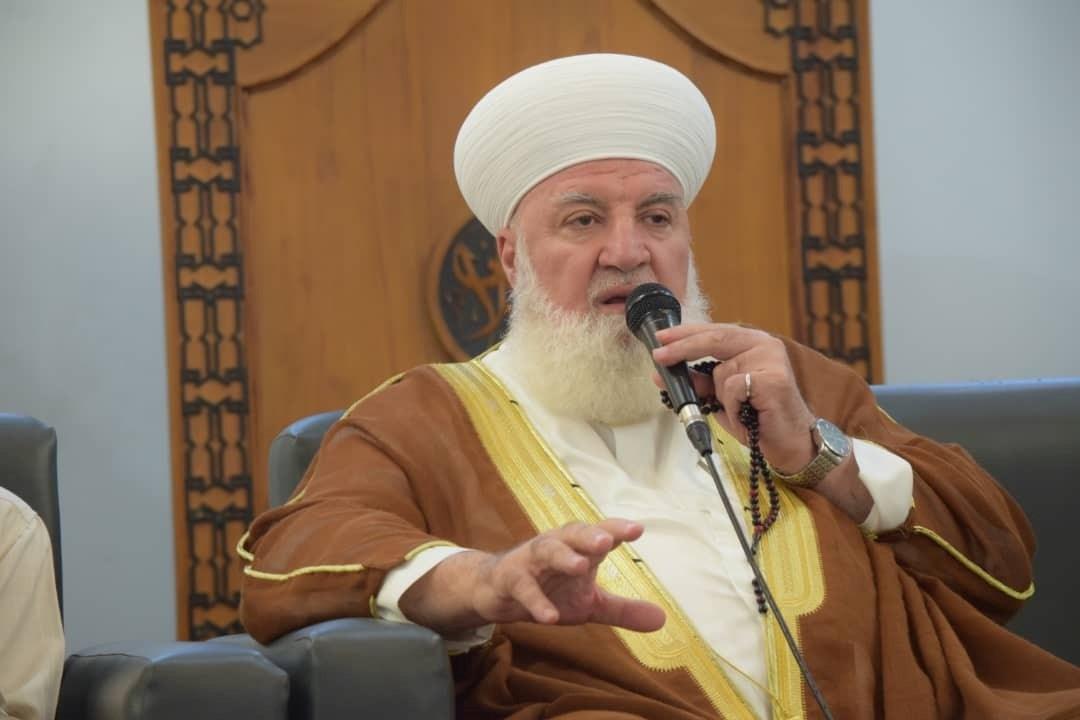 الشيخ الأفيوني هو أحد الشخصيات الفاعلة في المصالحات في بلدات قدسيا وداريا