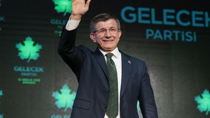 أحمد داود أوغلو الذي يترأس حزب المستقبل التركي.