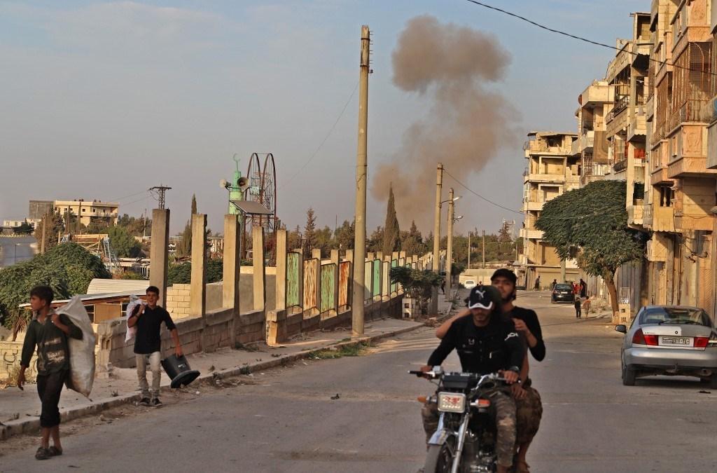 انفجار في بلدة أريحا بمحافظة إدلب الشمالية في 20 تشرين الأول (أ ف ب).