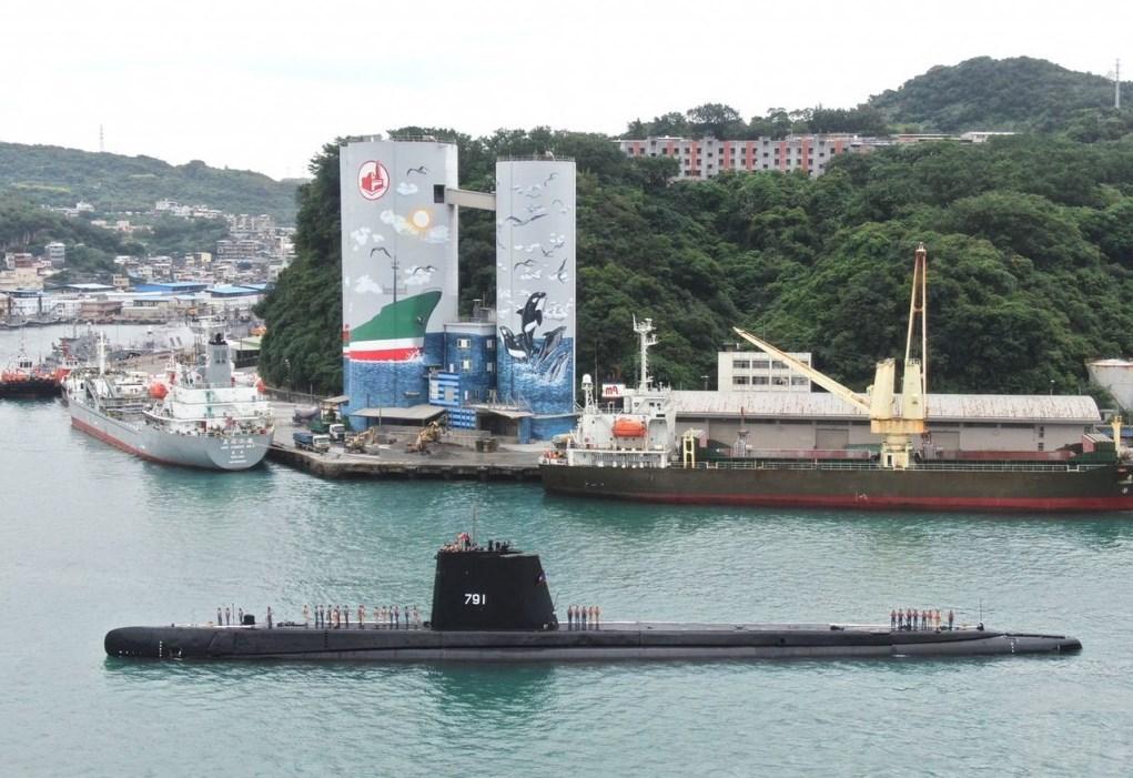 أعلنت الولايات المتحدة أنها ستزوّد البحرية التايوانية بثمانية عشر طوربيداً ثقيلاً من نوع
