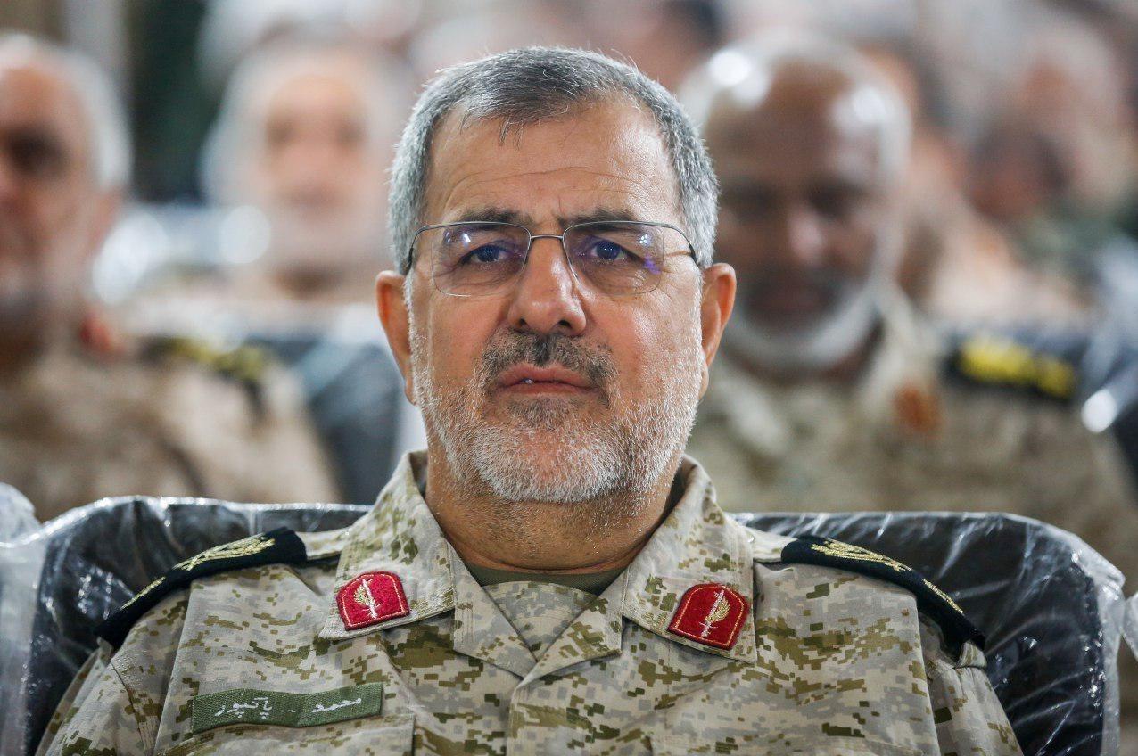قائد القوة البرية في حرس الثورة الإسلامية العميد محمد باكبور (صورة أرشيفية).