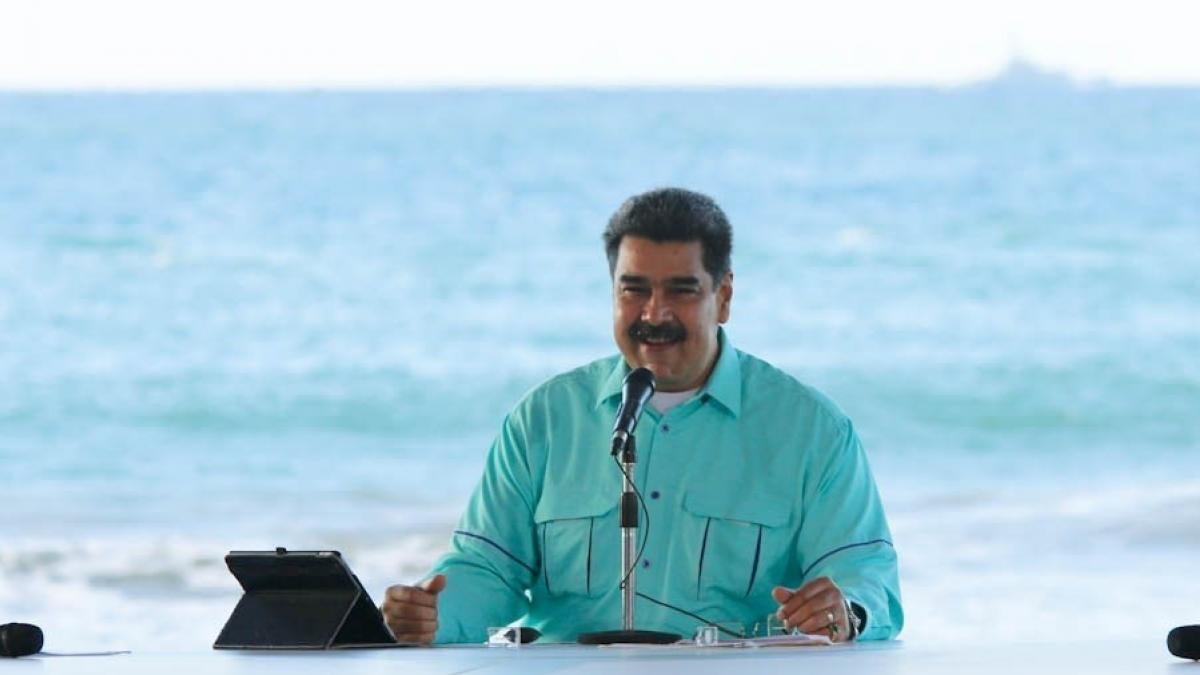 مادورو: سنقوم خلال أيام بتسليم نتائج العمل إلى منظمة الصحة العالمية