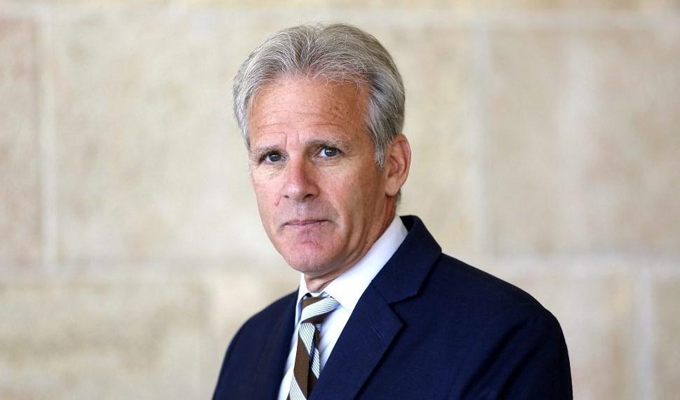 السفير الإسرائيلي السابق في واشنطن مايكل أورين.