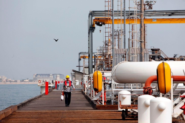 عقوبات أميركية جديدة على قطاع النفط الإيراني