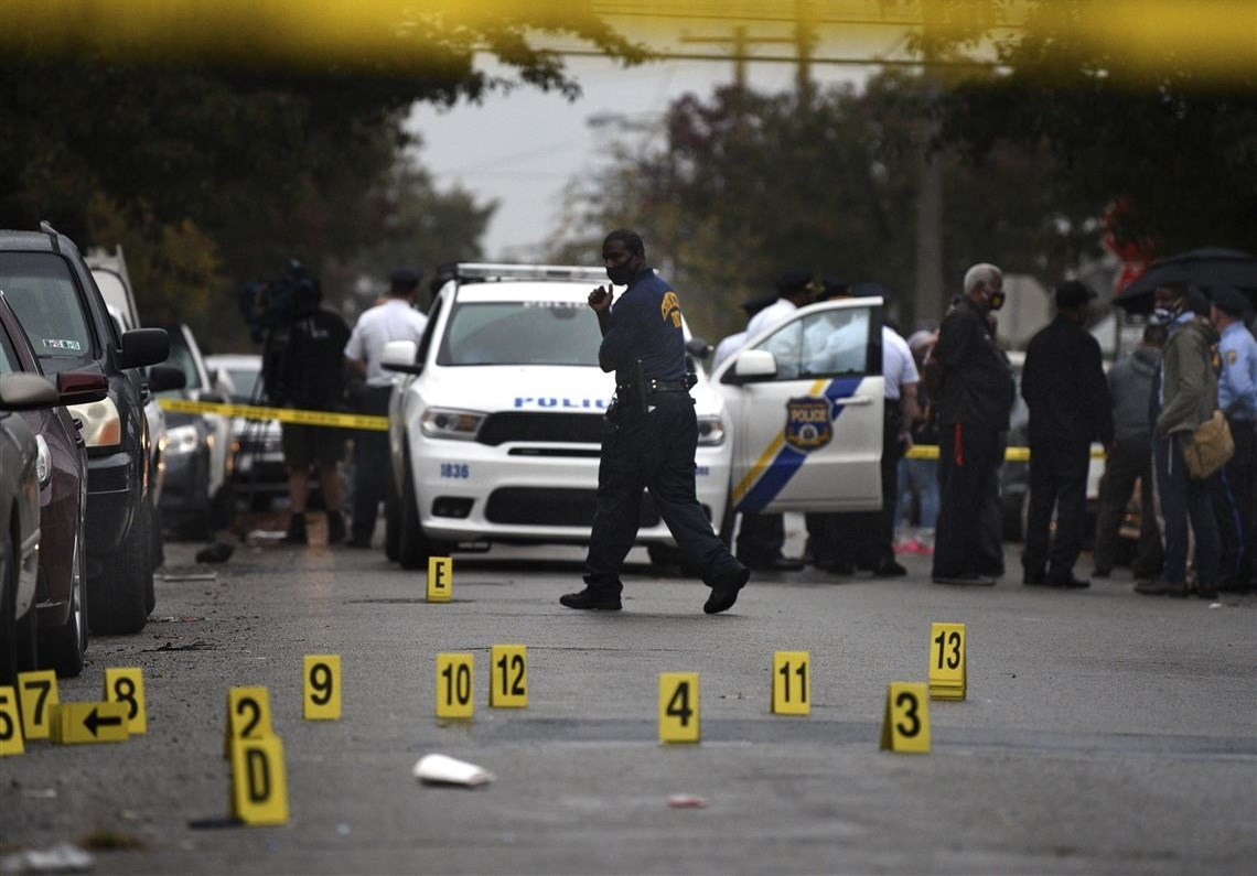 صدامات في فيلادلفيا.. ومقتل شرطي برصاص الشرطة