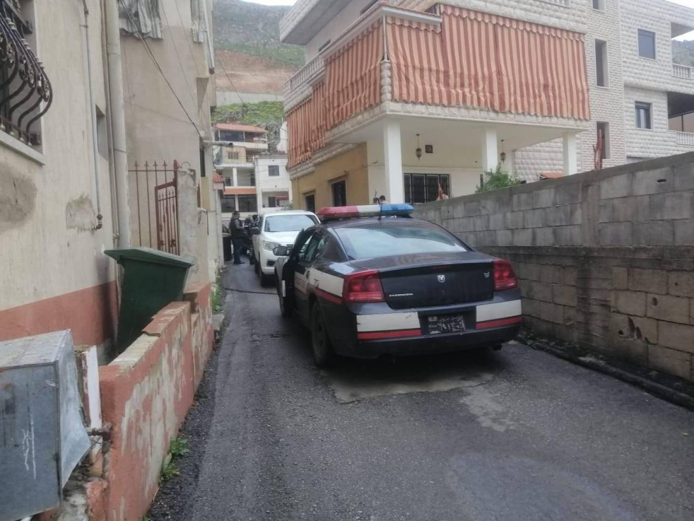 القوى الأمنية اللبنانية أفادت أن الجاني قتل زوجته وقطّعها على مرأى ولديه القاصرين من زوجته الأولى