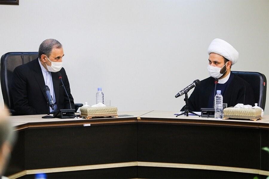 الكعبي خلال لقائه بولايتي: بتوحّد محور المقاومة خلف إيران سيتم إنقاذ المنطقة