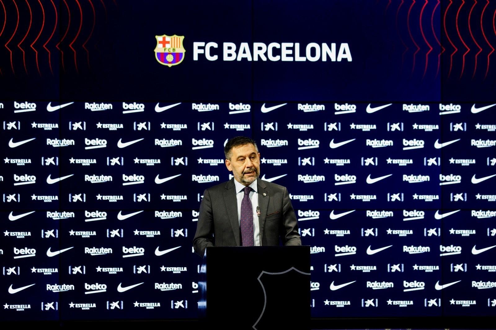 رئيس برشلونة في المؤتمر الصحافي