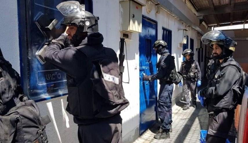 هيئة شؤون الأسرى والمحررين: الاعتداء على الأسرى جرى باستخدام جميع أدوات القمع والضرب بأعقاب البنادق