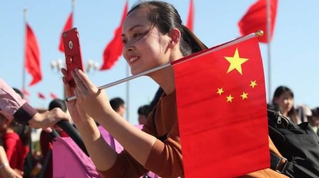 أزاحت الصين الولايات المتحدة عن صدارة البحث العلمي في العالم (أ ب)