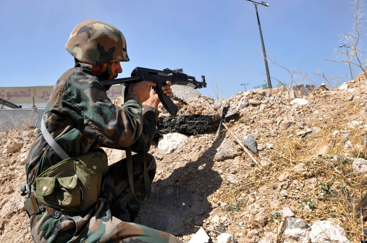 مواجهات بين الجيش السوري ومسلحين موالين لتركيا بريف حلب