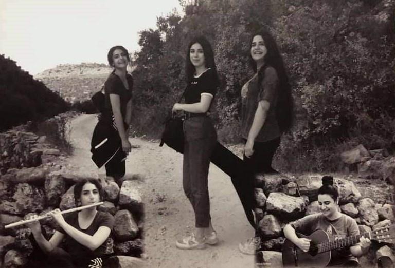فريق عازفات على طريق دير غسانة