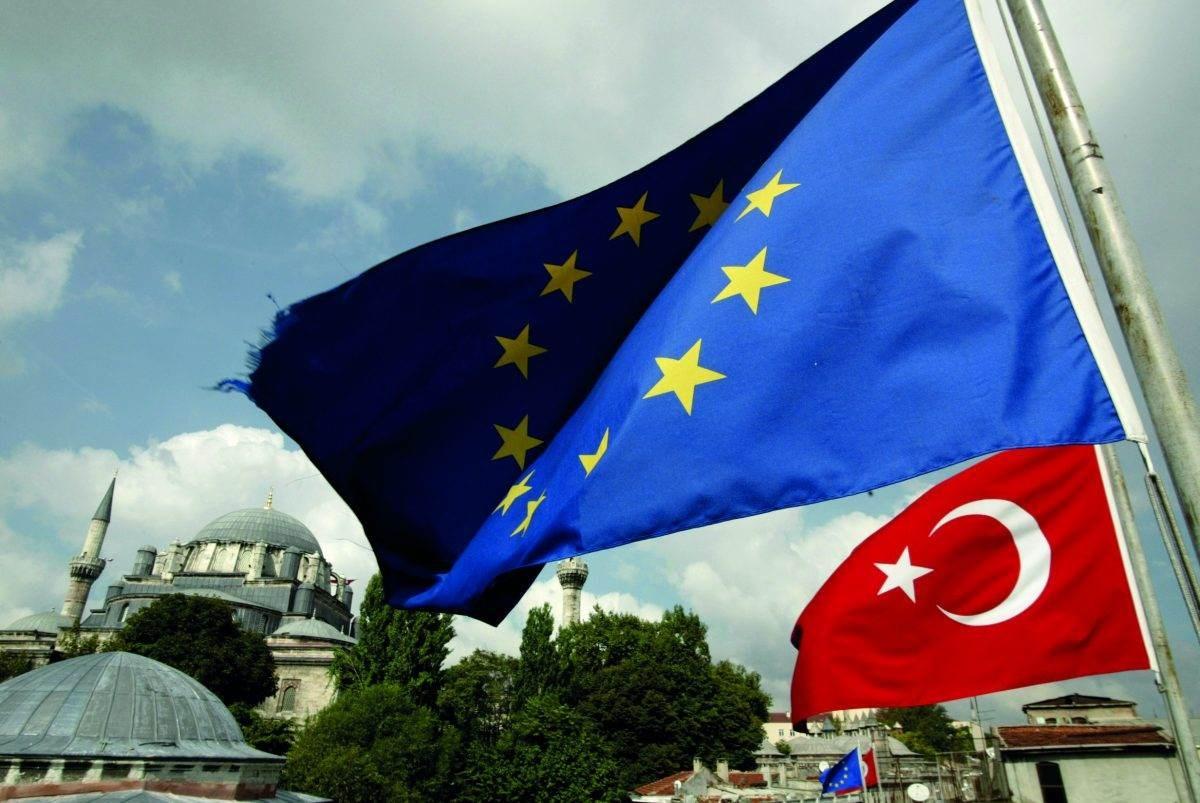 زعماء الاتحاد الأوروبي أكدوا أن الاتحاد سيعاقب تركيا إذا واصلت أعمال التنقيب في أجزاء متنازع عليها في البحر المتوسط