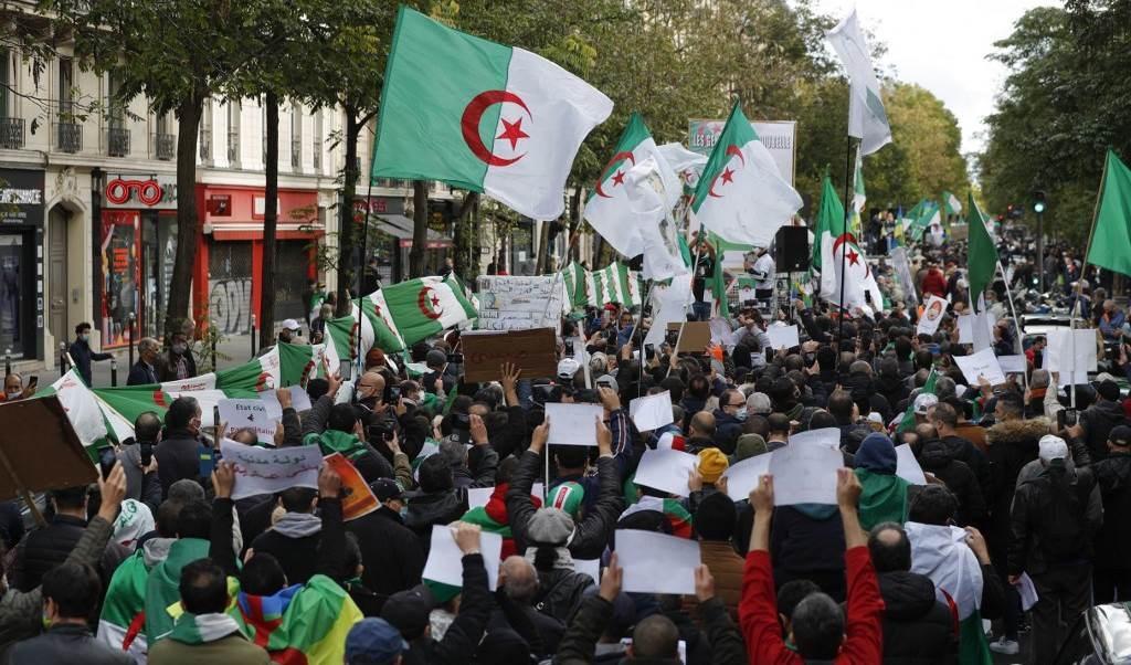 تظاهرات في الجزائر (أ ف ب)