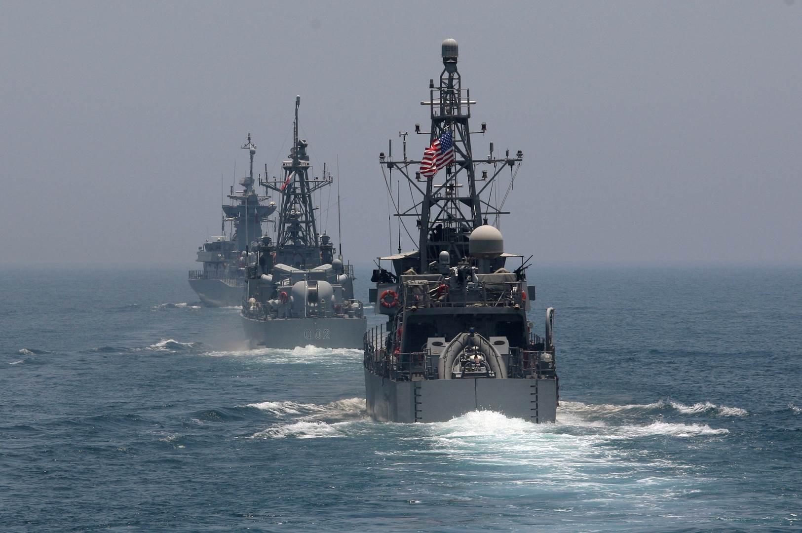 تنتشر حالياً 21 قطعة في نطاق عمليات الأسطول الخامس المشرف على منطقة الخليج.