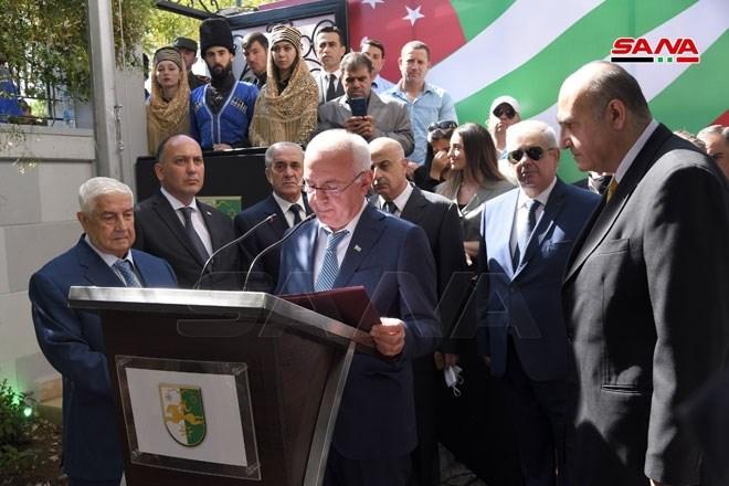 المعلم: افتتاح سفارة أبخازيا في دمشق سيعزز العلاقات الثنائية بين البلدين