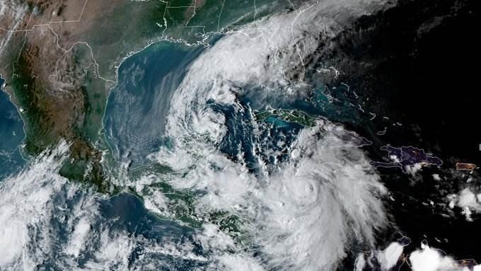 النقطة الشمالية في شبه جزيرة يوكاتان المكسيكية معنية أكثر بهذا الإنذار.