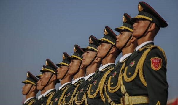 الجيش الصيني في أحد عروضه.