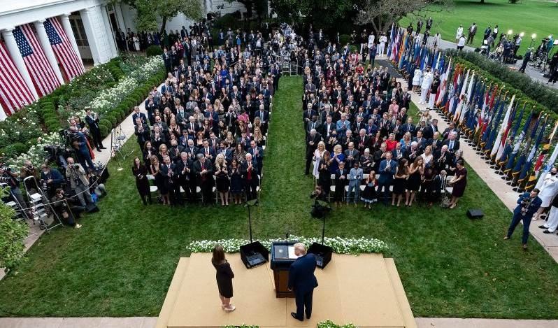ترامب خلال حفل تسمية عضو المحكمة العليا آمي كوني باريت في 26 أيلول / سبتمبر.
