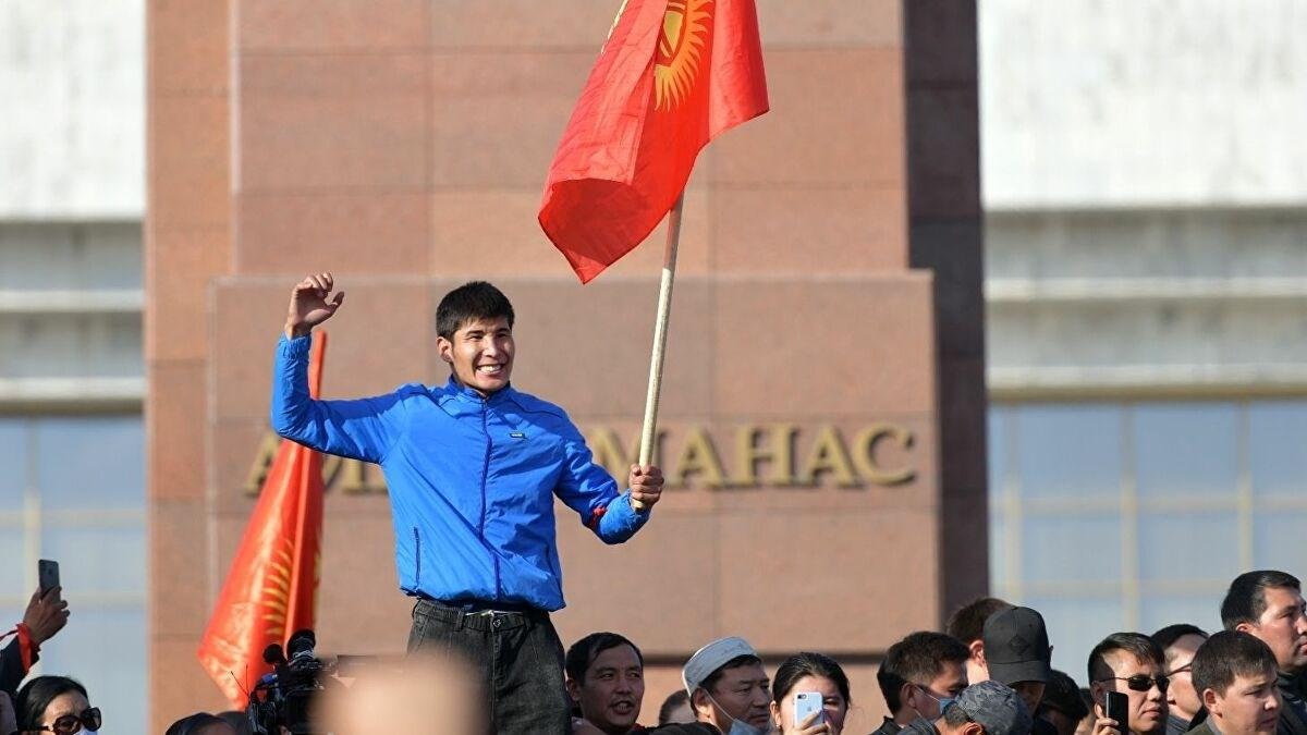 رئيس قرغيزستان مستعدٌ للتنحي بعد تشكيل حكومة جديدة