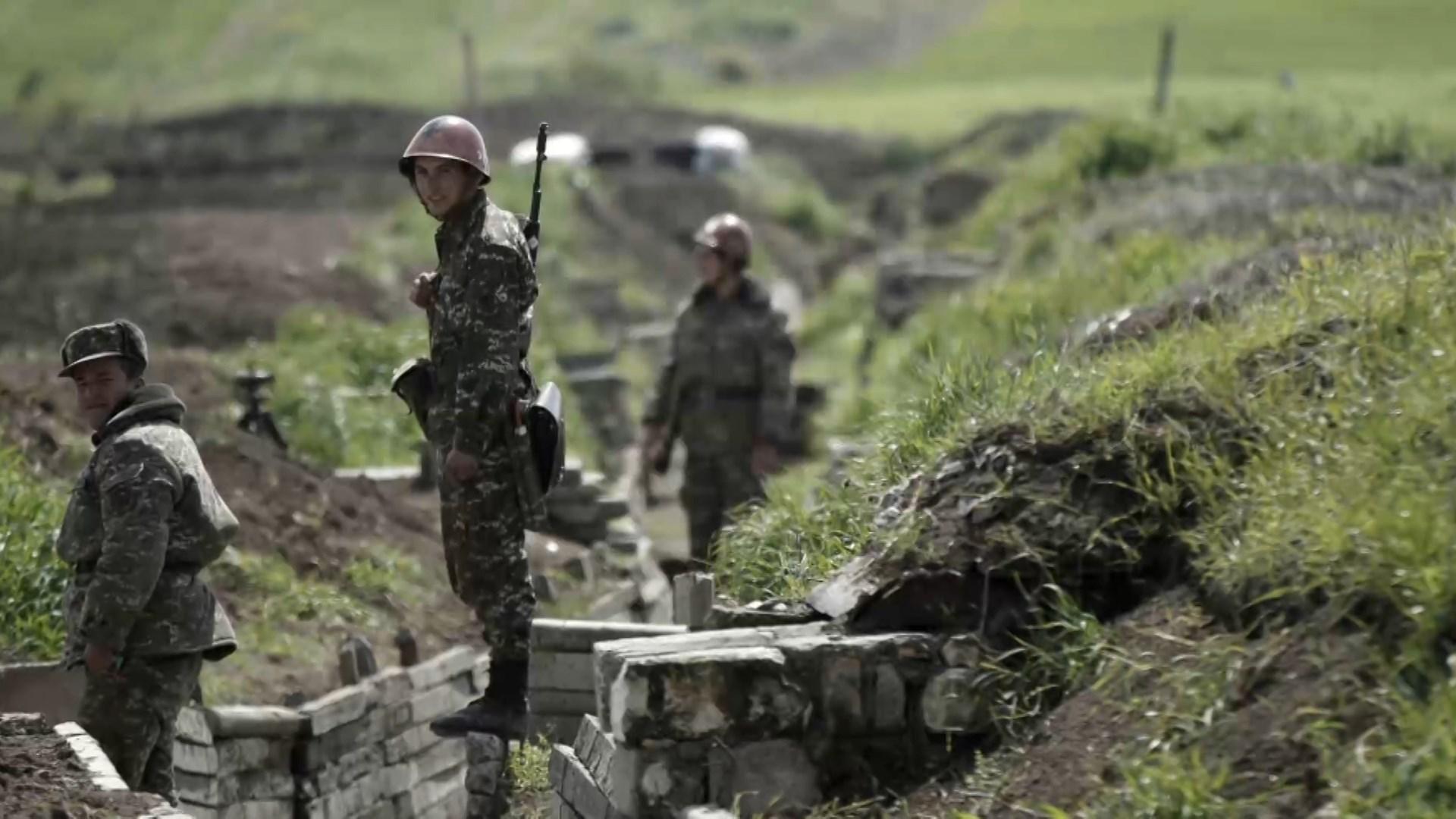 قوات حفظ السلام الروسية ستبدأ بالانتشار وإنشاء نقاط مراقبة على خط التماس في كاراباخ