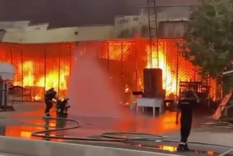 السعودية تعلن تعرض محطة توزيعِ المنتجات البترولية في جيزان لهجوم