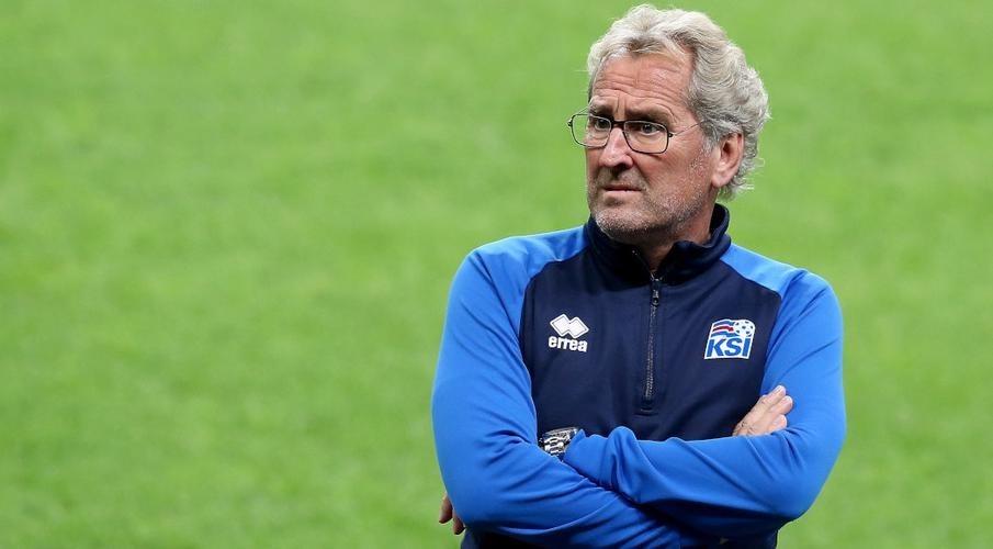 مدرب آيسلندا يستقيل بعد الفشل في بلوغ