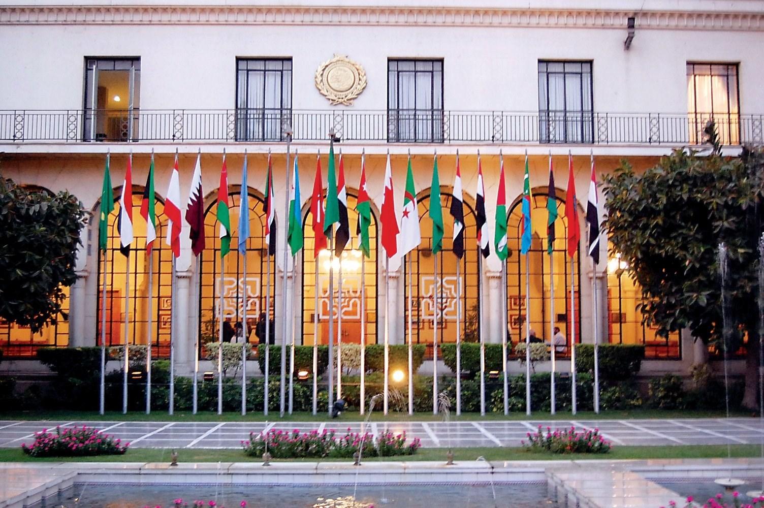 تُعتبر مواقف جامعة الدول العربية هزيلةً في غالبية القضايا