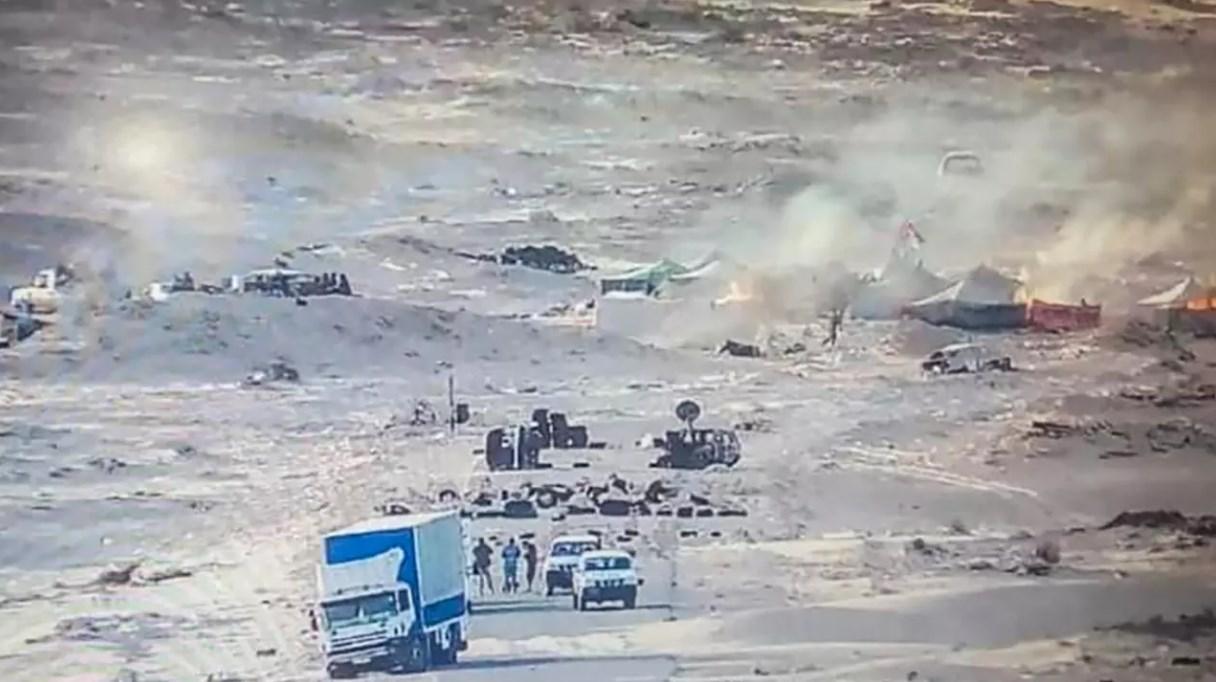 صورة نشرتها صفحة الجيش الملكي المغربي في 13 نوفمبر 2020 تظهر النيران في الخيام التي تستخدمها